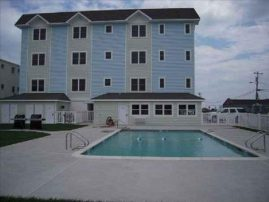 Beautiful 4 Bedroom Condo Steps From Beach