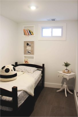APT 4 3RD FLOOR BEDROOM