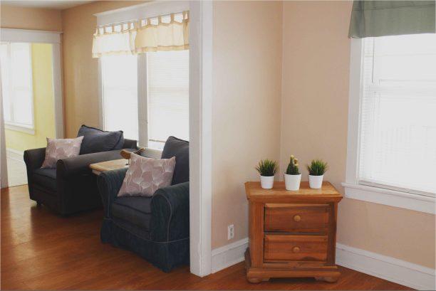 FRONT HOUSE BOTTOM UNIT LIVING ROOM
