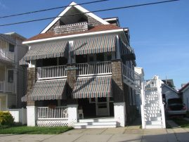 Enjoy an affordable upper cottage just steps from the beach between 2nd & 3rd Sts
