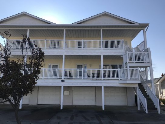 Making Memories 3 Bed 2 Bath Condo 1.5 blocks to the beach!