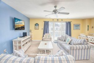 Family friendly beach home center of Wildwood- first floor