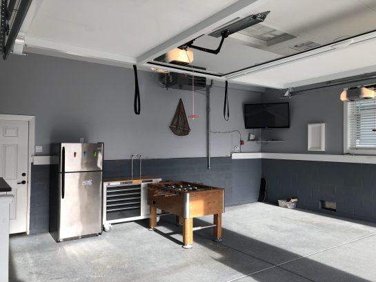 Garage / Game Room