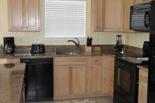 Kitchen, dishwasher, microwave, oven, refrigerator