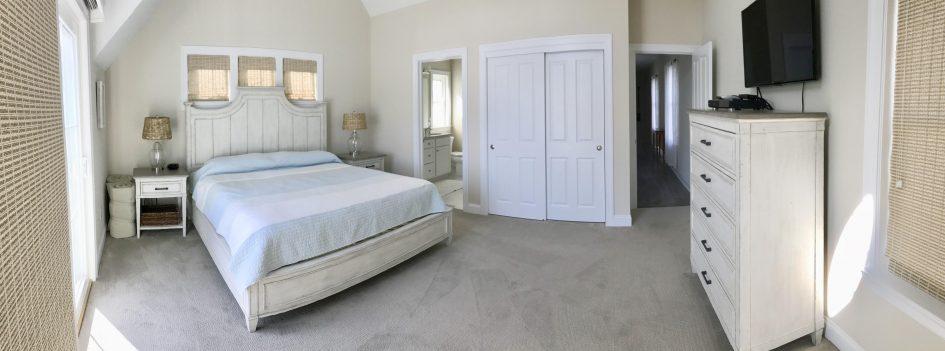 Spacious Master Bedroom (Sleeps 3)