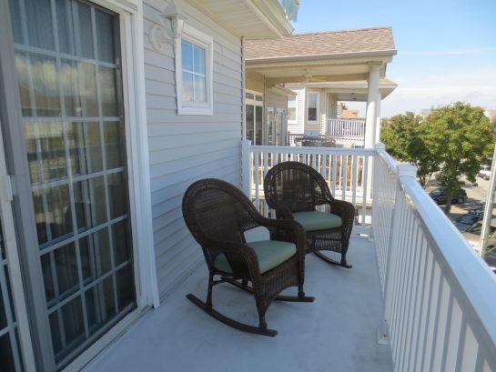 Living Room- Deck