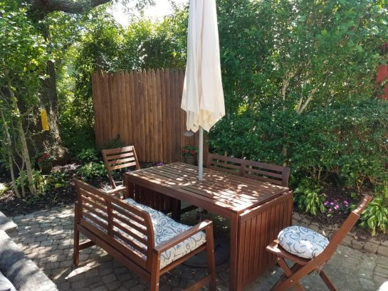 outdoor table with seating for 6