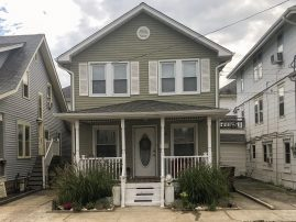 Beautiful cottage, only 3 blocks from the beach!