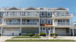 Less than 1/2 a block from beach and boardwalk, heated pool, all the amenities of home