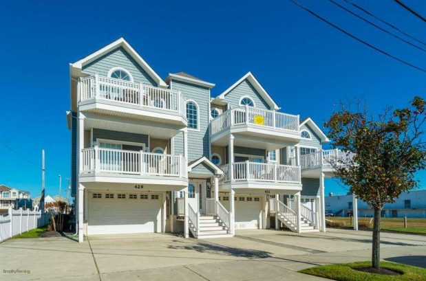Top Floor, Beach Block on 24th Ave in North Wildwood! - Just Steps to Beach and Boardwalk!