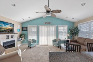 Dog Friendly Condo One and One Half Blocks to Beach