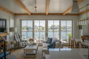 Beauty on Stone Harbor Bay Front! Bright & Stylish Waterfront 4 Br 3.5 BA Cottage