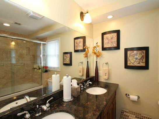 Master bath with tub shower
