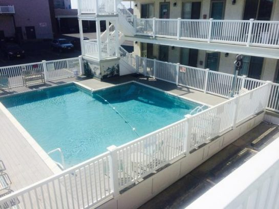 Heated pool open 10am - 6pm