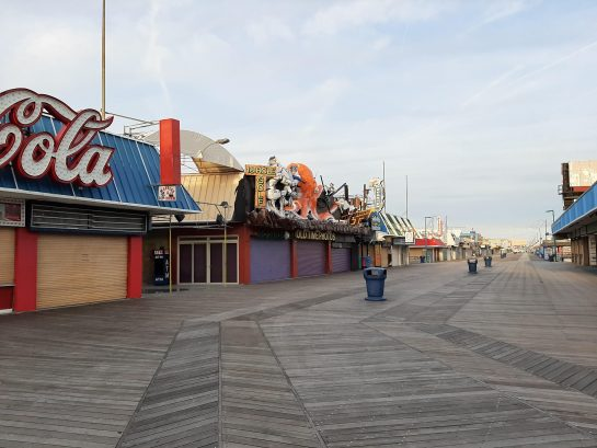 Lots of entertainment on the boardwalk with amusement ride piers, shopping, and eating!