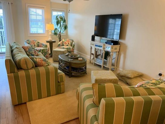 Luxury Wildwood Condo with Pool, 1 Block to Beach