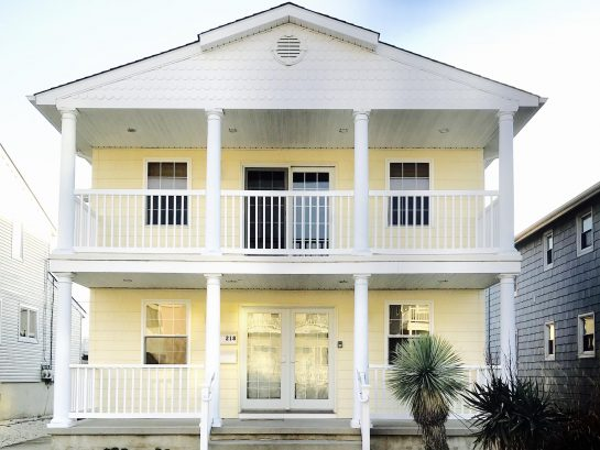 Beautiful Duplex home,rent one or both units