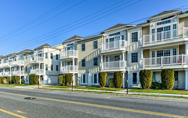 Wildwood Ave. Condominiums