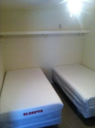 LIL COTTAGE LOWER: Bedroom